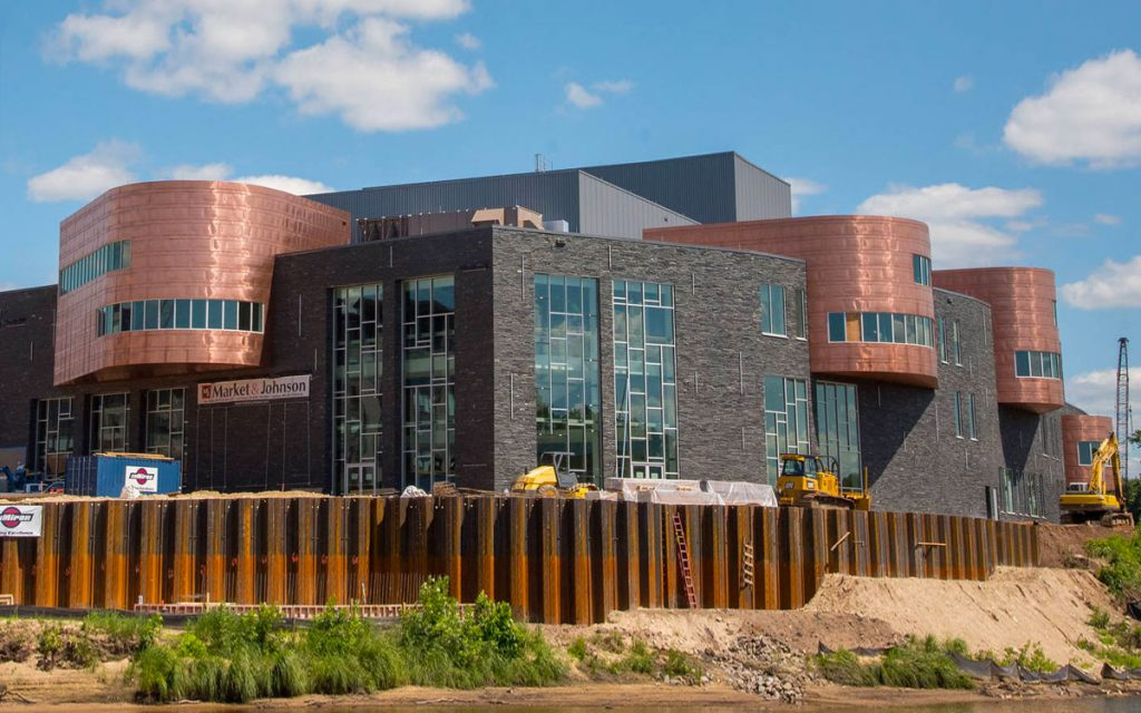 An outside look of the Wisconsin Arts Center showing examples of Ridged Inclusion.